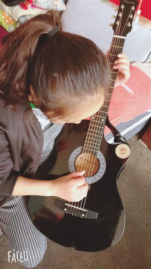 卡斯摩38寸民谣吉他初学者入门练习吉他 买回来没弹过几次,准备转手,绝对9成新,可自提,同城也可以送...