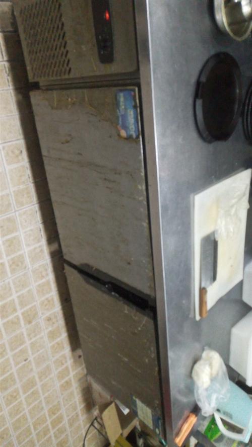 饭店不做了,现低价出售厨房用具,冷藏柜,扒炉10层蒸米蒸箱等等!