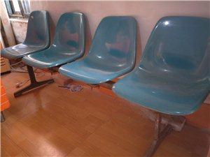 四座连椅,塑料座位,铸铁底座