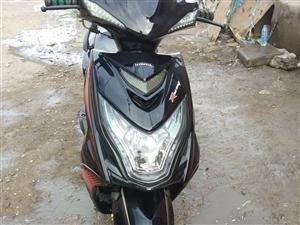 本人出售一辆踏板摩托车跑了1800公里 1500低价出售手续齐全电话15393261598