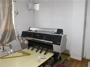 进口高清爱普生p8080大幅面打印机一台9层新,对外转让价格面议!非诚勿扰