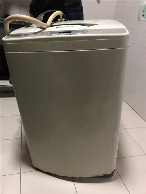因洗衣机换新.现二手洗衣机一台4成新.除了外壳有点坏其余都是好的,