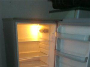 冰箱出售300洗衣机出售220冰柜出售500