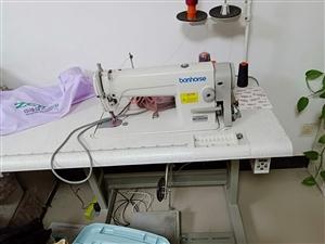 向阳庄苑卖台电动缝纫机,上海良马牌的,买了3个月,基本没用过,不自动断线,原价1799元,现价998...