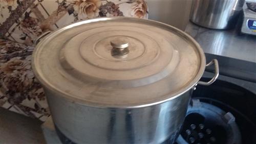不锈钢汤锅,九成新,100元,只限旺苍自取