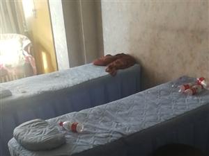 美容床,3张一共150,带床单!自提不包邮!