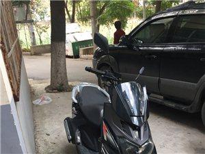 一年不到的新款路虎摩托车,可上牌,才骑了两千公里,磨合期还没过,有遥控锁防盗器,和碟刹锁,天气冷了不...