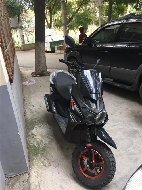 一年不到的新款路虎摩托車,可上牌,才騎了兩千公里,磨合期還沒過,有遙控鎖防盜器,和碟剎鎖,天氣冷了不...