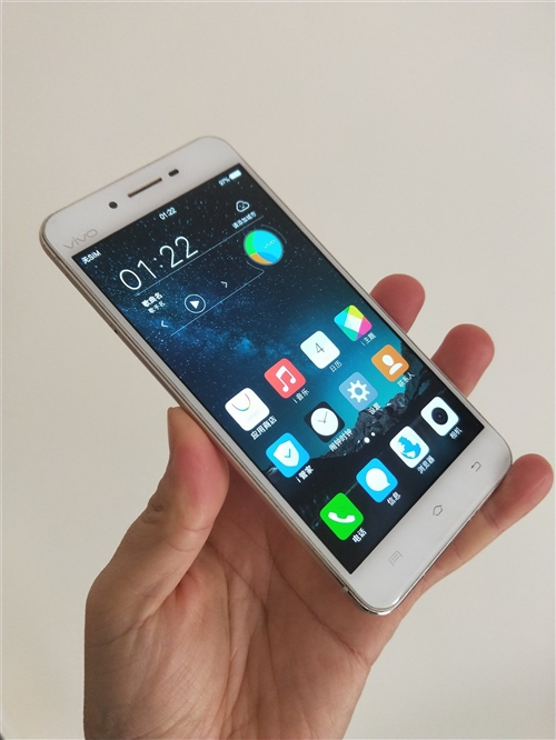 vivo X6D 4G+32G聯通移動雙4G手機,成色9新,運行流暢!4G內存運行很快!有意的聯系我...