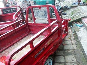 出售九成新仙歌电动三轮车,车况非常好一切正常,车厢长一米三宽一米,行程三十公里