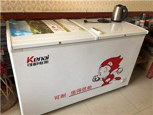 出售两台冰箱,今年五月份买的,冷藏冷冻两用,九成新,容量大的八百多升,小的四百多升!说明书都有,配有...