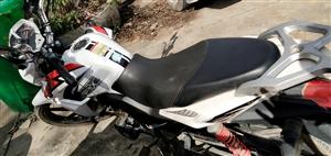 出售男士摩托车一辆、型号:HD150-3A  证件齐全 有需要的电话联系18375099094、 ...