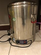 60升煲汤桶,烧开水,熬汤都可,九八成新,650买的,低价出售