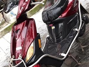 金沙国际网上娱乐爱玛电动车一辆,5个大电池的!爬坡有力!非诚勿扰!
