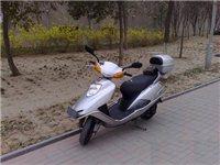 五羊本田踏板125追梦 自用一辆踏板银色摩托车,型号为本田125cc追梦,一直是女性使用,7成新,...