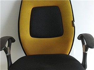 可升降电脑椅,七成新,功能完好,质量可靠。因离开海南特便宜送给有缘人。地址在清澜镇市政府附近,欢迎附...
