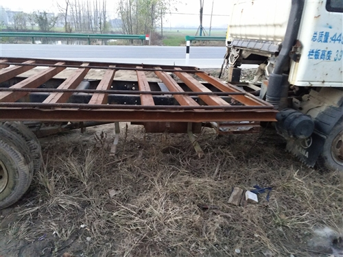 个人拖车出售,发动机没有毛病,劲大,手机微信同号15385835519
