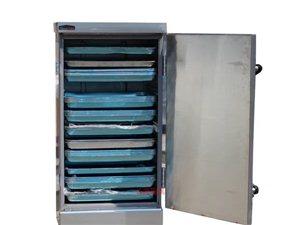 以前买来准备自己用的,全新三相电蒸饭柜和三相电磁炉(8000w),因本人原因没做了,现对外出售
