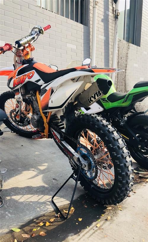 華洋k6越野摩托車nc250機器   出售華洋k6一臺  成色一般但是機器木毛病很暴力 機油剛換的全...