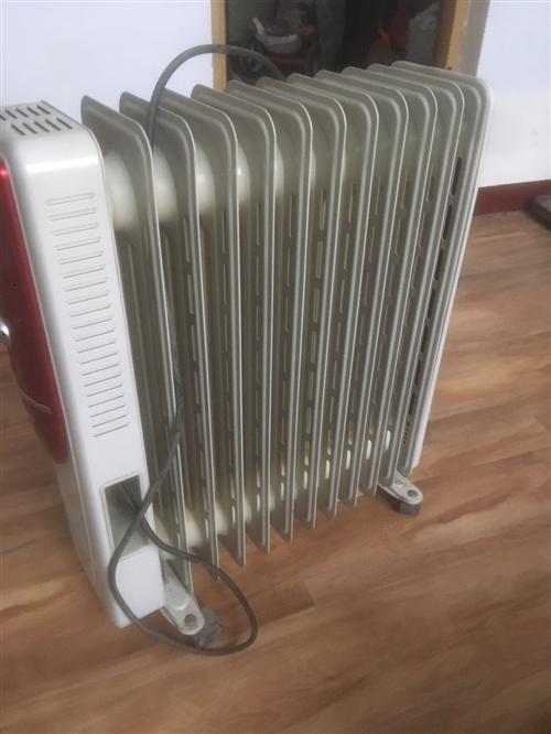 家有电油汀取暖器两个闲置没用,有需要请联系我,一个二百,