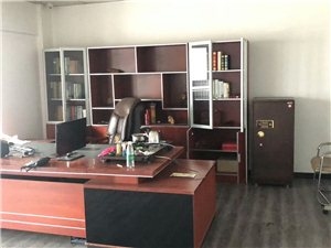 临泉二手物品交易市场长期出售、回收办公用品、家具、家电、空调、饭店桌椅18298180826