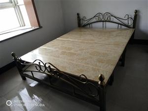 转让新折叠双人床1.5×2米,香港城