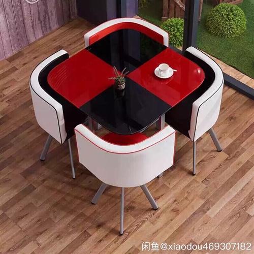 出图中的餐桌,大餐桌,没用多久,全新,钢化玻璃
