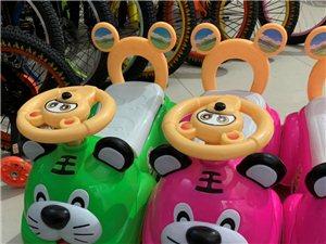 全新儿童滑行车,锻炼宝宝脚力,适合1-3岁儿童使用。