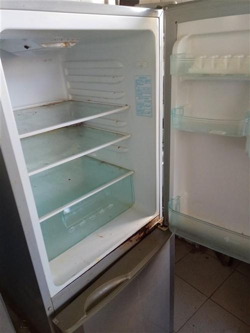 新飞冰箱门边锈了,密封不好,正常制冷