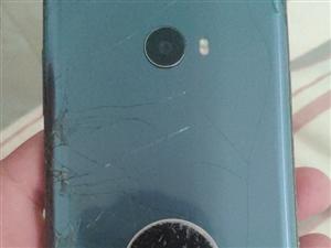 自用小米note2, 外壳摔了屏幕有裂痕,喇叭有杂音。 其他良好
