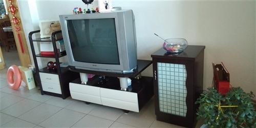 电视加电视柜300元 另外一套电视柜200元  有意者联系15593795652
