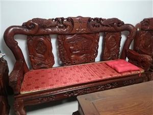 专业回收:红木家具,办公家具,欧式家具。13539564681