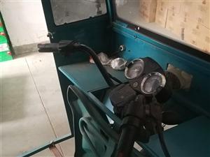 威尼斯人注册自用送货三轮,带货箱2米,自焊车棚车厢,加大电瓶,使用半年,9.5新