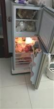 才买的冰箱用了不到一个月,准备换个大的,冰箱质量好适合两到三个人,因为以前是三口之家饭又做得少,现在...