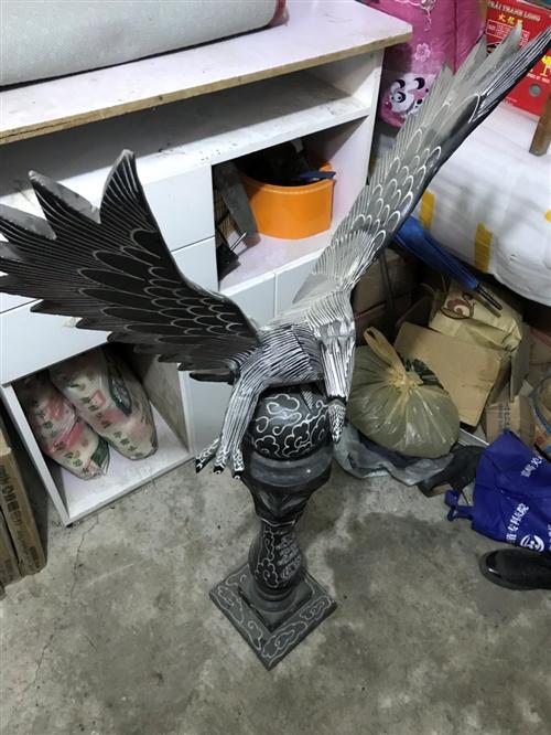 手工石雕大棚展翅一对,从山东运过来的,没地方放置