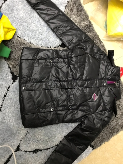 特步棉服,断货清仓,价从优,微wxx081103
