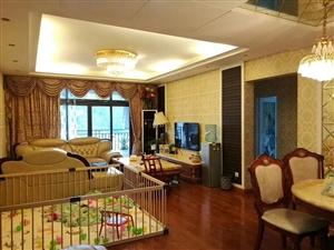 玫瑰湾精装大三室出售,面积128平米,户型结构方正、大气,采光一流,朝中庭!喊价79.8万!产权清晰...