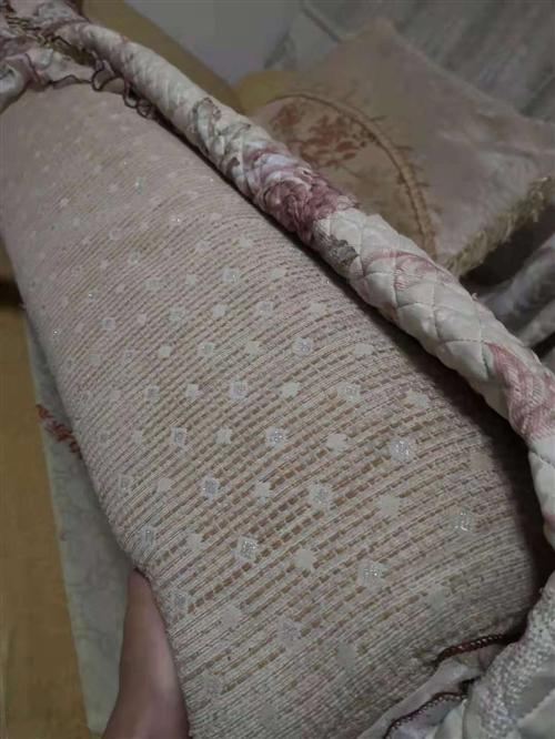 二手沙发一整套三米多长,客厅用的,给钱就卖