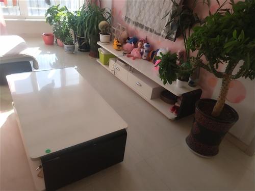 出售自家用的二手沙發茶幾電視柜 有需要的聯系