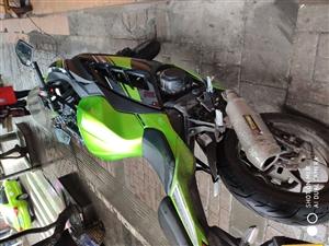 双缸350cc小忍者 喜欢的朋友来了解,三千多公里,三个月的车,有需要的朋友来联系。