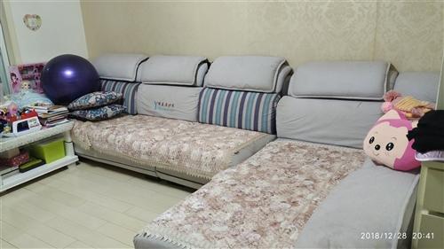 整套布艺沙发,总长3.9米,拆洗很方便,质量非常好!