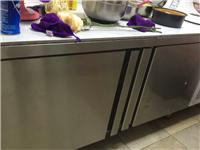 求購二手帶操作臺冰柜一臺,要求全冷凍,不需要冷藏有賣的帶上尺寸私我