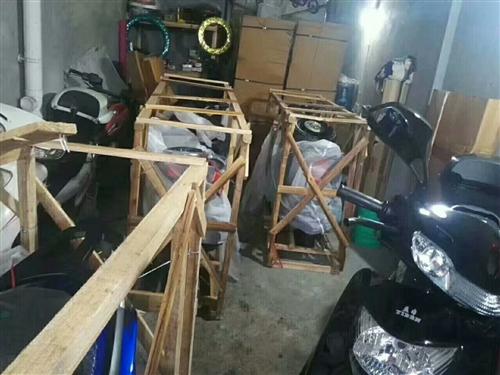 上甲一号公馆香港艾乐幼儿园正对面,奇蕾店现冲量优惠,底价无利润售4台踏板摩托车。手续齐全可上牌,三保...