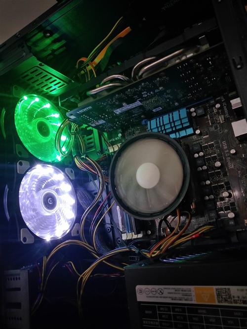 32寸屏 八核处理器CPU :fx8300   主板:华硕 A970 内存:全新8g内存条 三星...