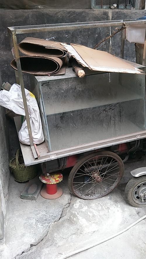 旧电三轮车,人力三轮车,便宜处理了,出价就卖