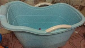 便宜处理洗澡桶和溜溜车