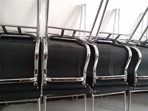 9成新凳子。