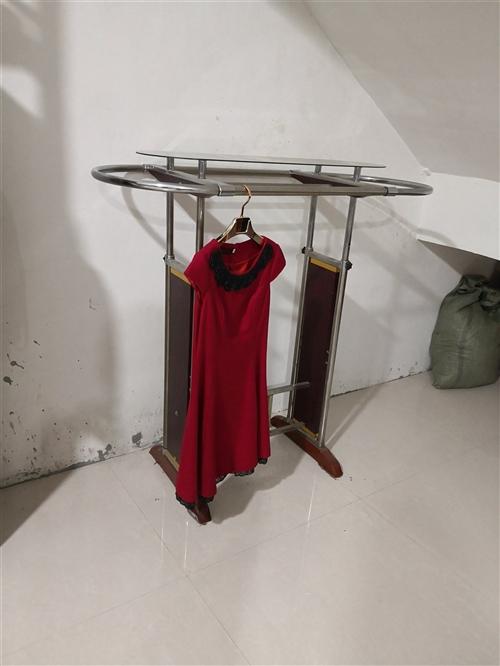 服装挂架,9成新,30元/个,原价200元买的,共3个,自己取货,宋城