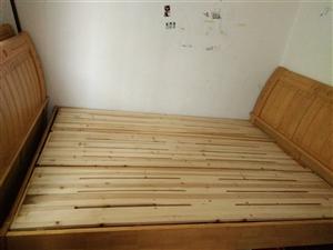 二手实木床,9成新,低价出售,原价980,现价750,有意可联系13666005947