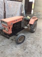 出售拖拉机20马力,九成新,地点在开发区